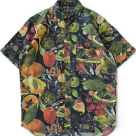 bal - Broken Fruits SS Shirt (black)