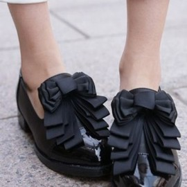 Black Vintage Patent Leather Bow Flat Pumps