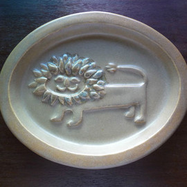 Bennington Vermont Pottery - Cooperative Design lion dish by David Gil