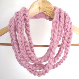 Luulla - pink loop necklace - Ready to ship