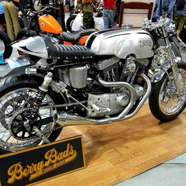 Berry Bads Motorcycle - Harley Cafe Racer
