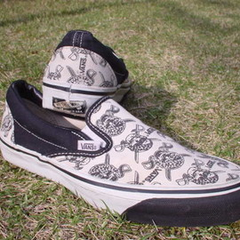 VANS - Pirate Skull Slip On