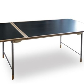 VERONICA - Model25 Dining table