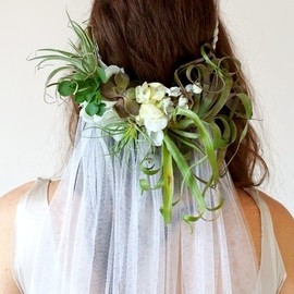 WEDDING - Boho bride's long down bridal hair