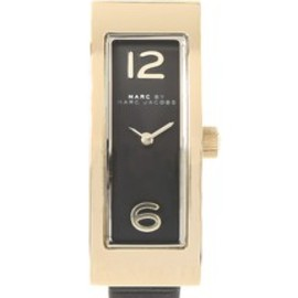MARC BY MARC JACOBS - LOGO PLAQUE GOLD BLACK 42MM(腕時計)|ブラック