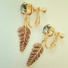 PEACE SHORE - SWAROVSKI fern earring
