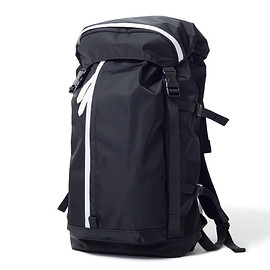 "HEAD PORTER - ""SHATI"" RUCKSACK BLACK/WHITE"