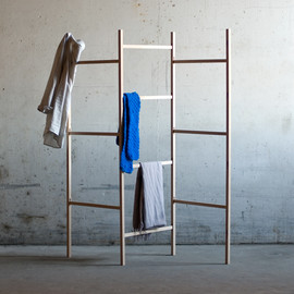 Jakob Jørgensen - Knock Down-Cloth Rack