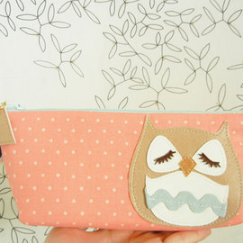 CUORE - Stewart the Owl Pink Peach Polka Dot Vintage Inspired Cotton Canvas Case with Vinyl Applique