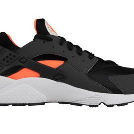 Nike - Air Huarache Total Orange