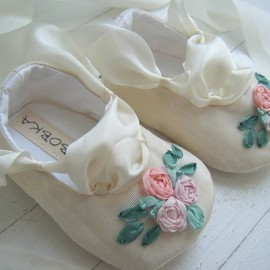 BobkaBaby - SPRING Ivory Vintage Taffeta Ballet Shoe For Your Baby Girl