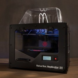 Makerbot - Replicator 2X (3Dプリンター)