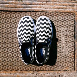 VANS - Vans Chevron Classic Slip-on Sneakers