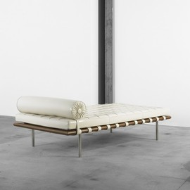 Mies van der Rohe  - Barcelona daybed white