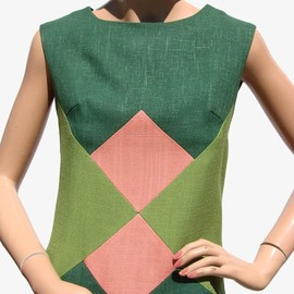1960s linen dress with geometric block pattern. via Poppy's vintage/Ruby Lane