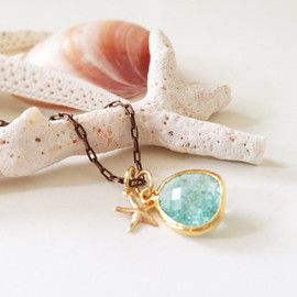 kicca - beach girl - starfish and framed glass stone necklace