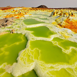 Ethiopia - Acid lake in DANAKIL DESERT