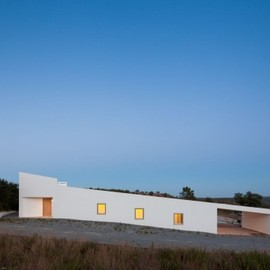 Vitor Vilhena Architects - House in Odemira, Portugal