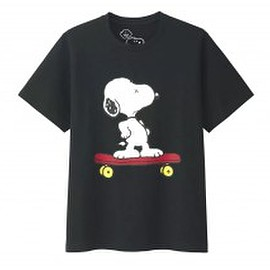 UNIQLO, KAWS, PEANUTS - UT (Skating Snoopy) - Black