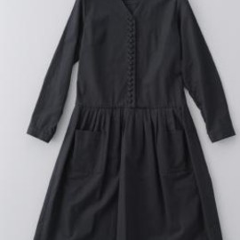 atelier naruse - kurumi button cottonlinen one-piece