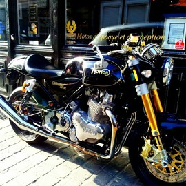 LEGEND MOTORS - Norton Commando Special Edition 961