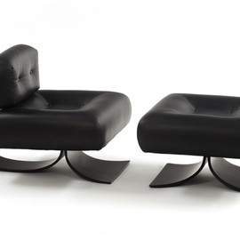Oscar Niemeyer - Alta Armchair and Ottoman