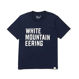 White Mountaineering - PRINTED T-SHIRT「WHITE MOUNTAINEERING」