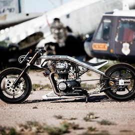 YAMAHA - XS 650 custom motorcycle