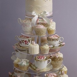 Mesa de Doces - Gorgeous Teapot / Teacup Cupcakes Designs