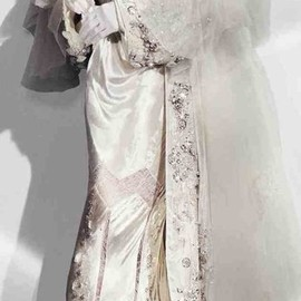 JOHN GALLIANO - John Galliano wedding gown
