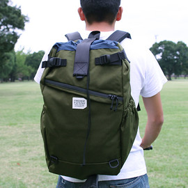 FREDRIK PACKERS - STROLL BACKPACK(M) OLIVE GREEN x NAVY