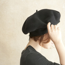 SCHA - Beret Big Cut Black