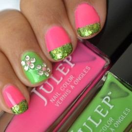 Mani Monday | Flower Nail Art Tutorial With Pink, Green & Glitter!