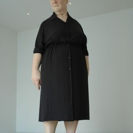 Ron Mueck - Standing Woman (2007)