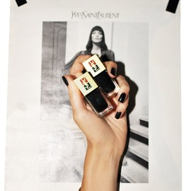 Yves Saint Laurent - Black nails