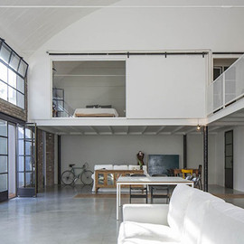 Sara Bergami&Luca Bertacchi - Machine Shop Converted Bachelor Pad in Italy