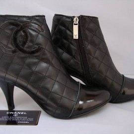 CHANEL - bootie.