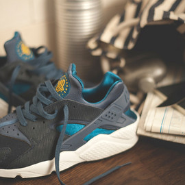 "Nike - Air Huarache  size? x Nike  ""Army & Navy"" pack"