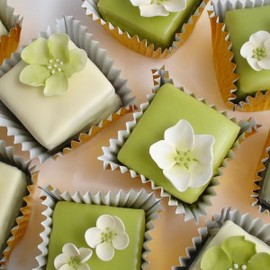 green and white wedding cakes