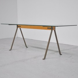 Driade - Enzo Mari Frate dining table