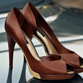 LOUIS VUITTON - heels