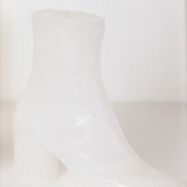 Maison Martin Margiela - Tabi-boot shaped candle