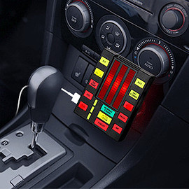 THINK GEEK - Knight Rider KITT Car USB Charger