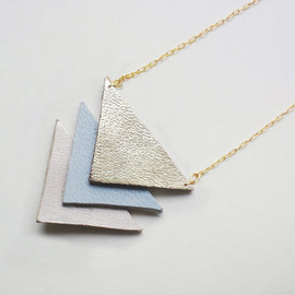 QUOLIAL  - Hit my heart with your arrow - leather necklace or brooch in pale blue & pink - free shipping
