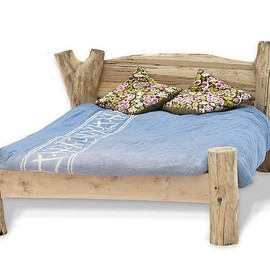 Free Range Designs - Rstic Driftwood Bed