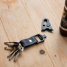 UNSETTLE CO. - UNCLIP KEYCHAIN