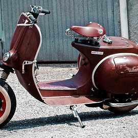 "Vespa - ""50 Shades of Rust"" 1978 Vespa PX125 by Alberto Bersini"