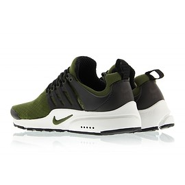 NIKE - Air Presto Essential - Legion Green/Legion Green/Black
