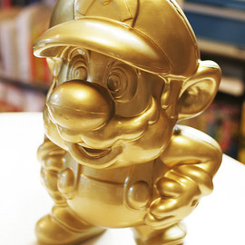 Nintendo - GOLDEN SUPER MARIO