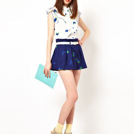 Nishe - Belted Shorts with Flower Embroidery